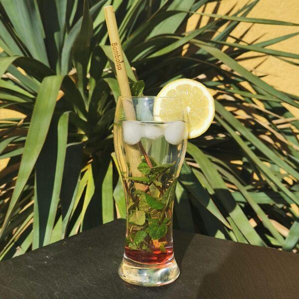 Paille en Bambou dans un verre
